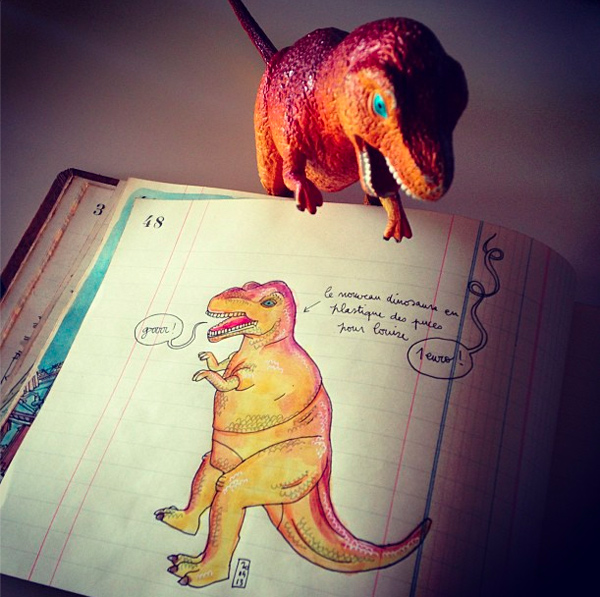 I just upgrade my sketchbook with a dinosaur!