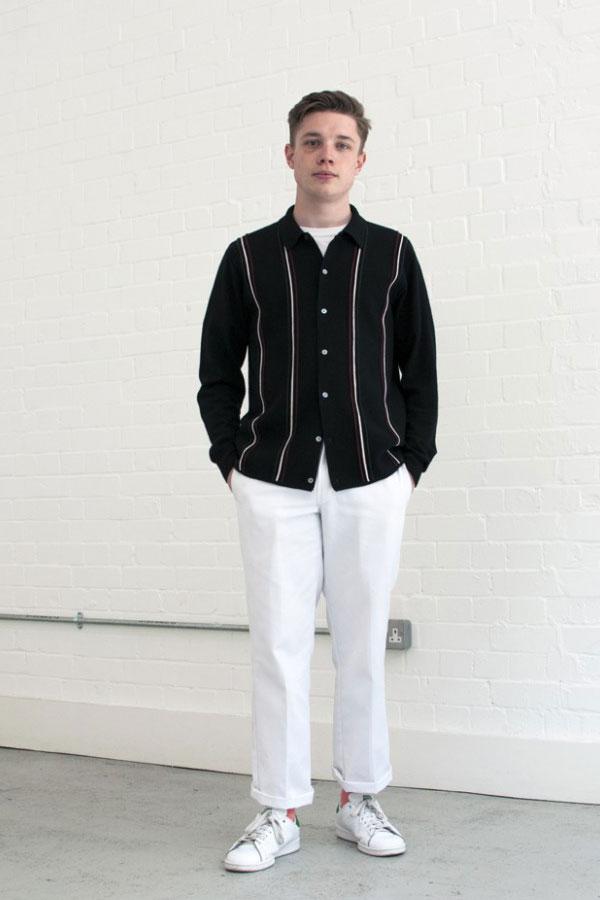 黒襟付きカーディガン×白パンツ×adidasスタンスミス