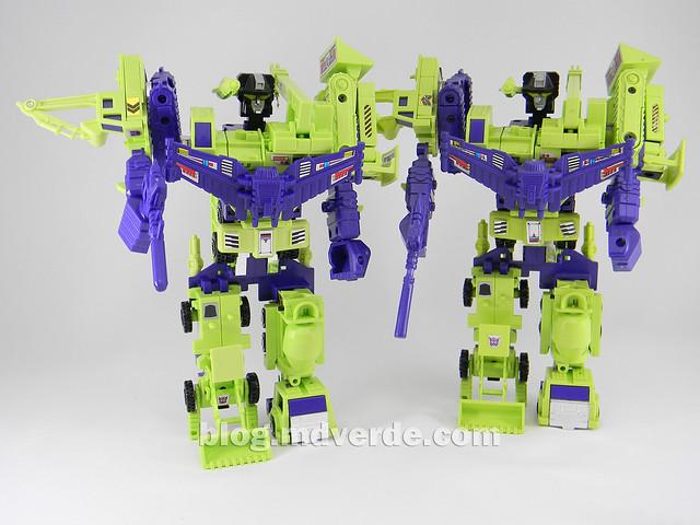 Transformers Devastator (Constructicons) - G1 Encore - modo combinado vs Devastator 1985