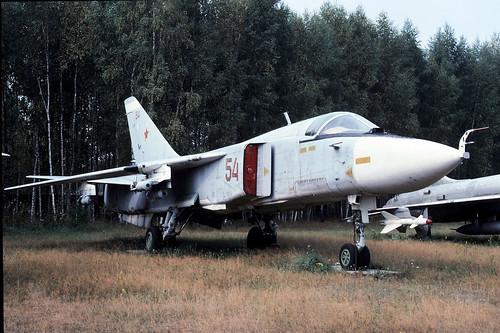 54b Su-24