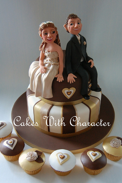 Brown Gold Wedding Cake This lovely couple collected their cake it