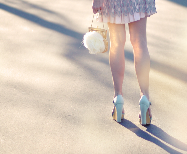 pastels-gold bag reflecting -  legs