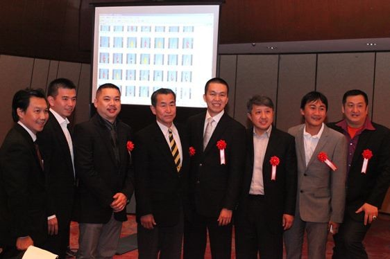 The two Rinyukai chairmen in the center: fourth from the left is Shigekatsu Takahashi and right next is Felix Denanta