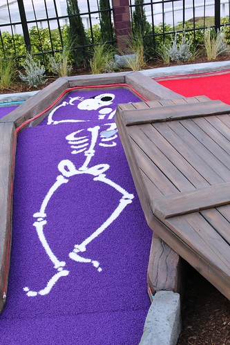 Hollywood Drive-In Mini Golf - The Haunting of Ghostly Greens