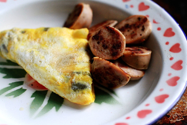 Pickled Jalapeno & Cheddar Omelette w/ Sausages Breakfast - Low Carb