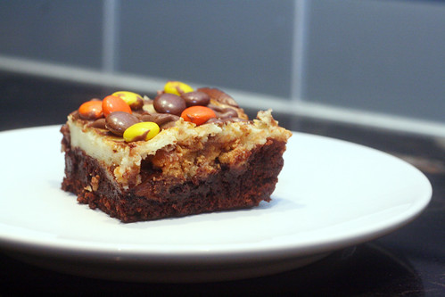 reeses cheesecake brownie bars