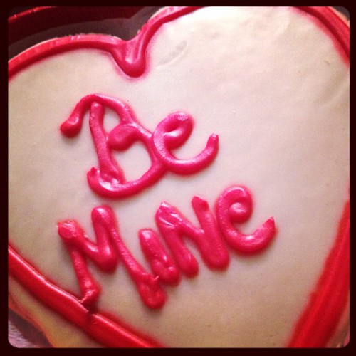 Vegan valentines cookie.