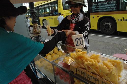マンゴーを買いました。