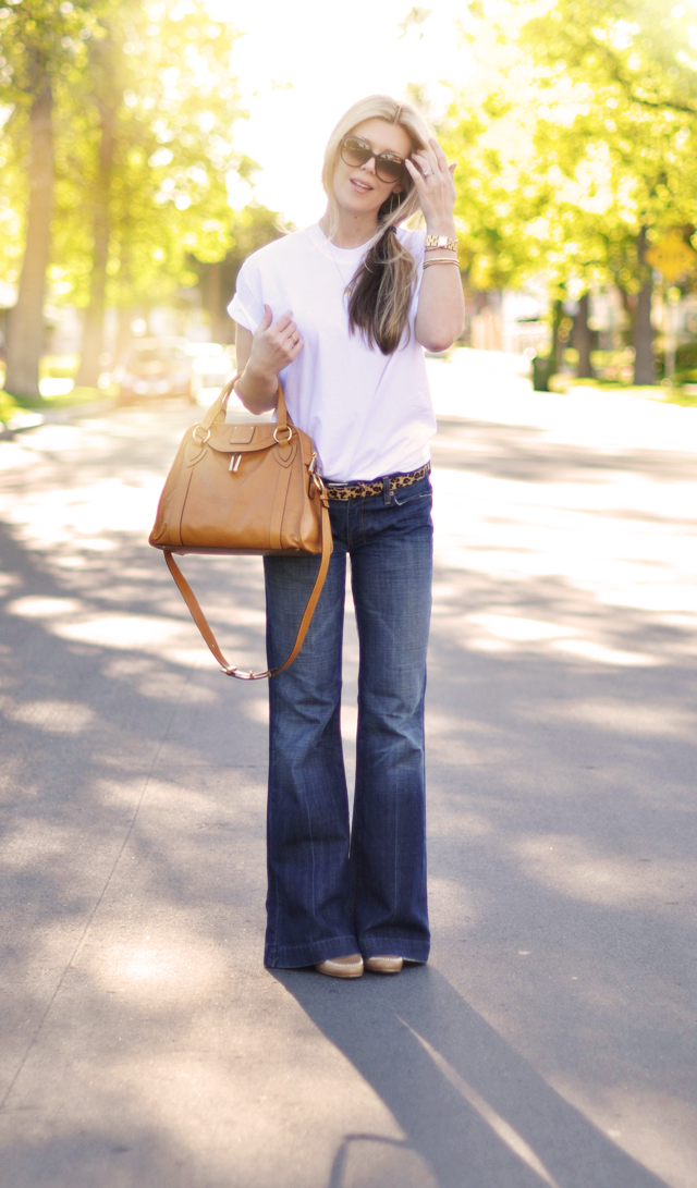 classic jeans and a white t shirt - marc jacobs bag