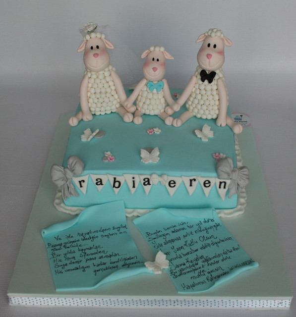LITTLE TWIST SHEEPS BIRTHDAY CAKE