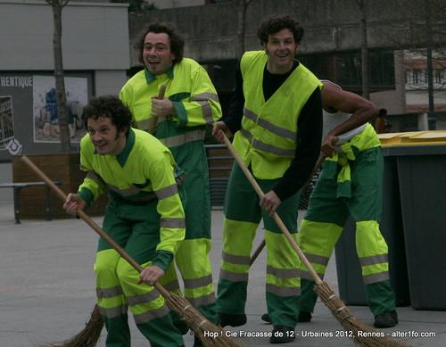 Hop ! Par la compagnie Fracasse de 12 @ Urbaines 2012, Rennes-20