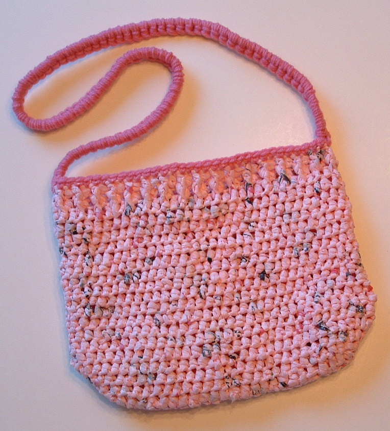Free Crochet Patterns Using Plastic Grocery Bags : Recycled Pink Plastic Purse My Recycled Bags.com