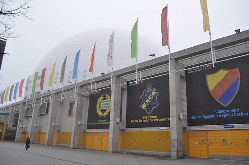 2011.11.11.105 - STOCKHOLM - Globentorget - Globen (Ericsson Globe)