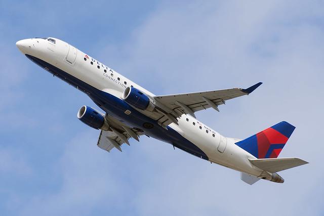 Delta Connection (Shuttle America) Embraer ERJ-170-200LR 175LR (N212JQ)