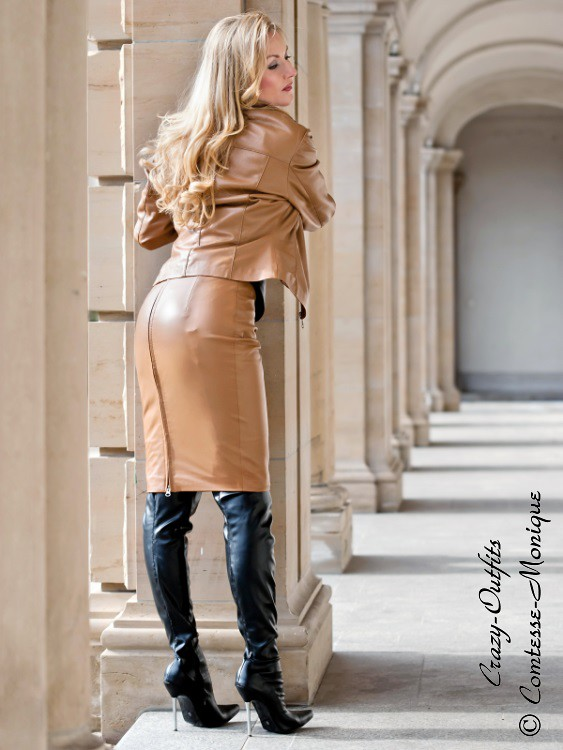 comtesse-monique_brown leather pencil skirt suit, black stiletto boots, suspender bumps (3)