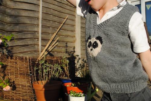 panda pullover