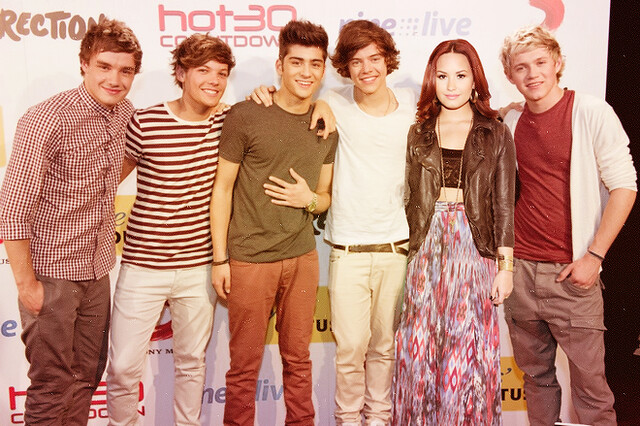 One Direction and Demi # Manip