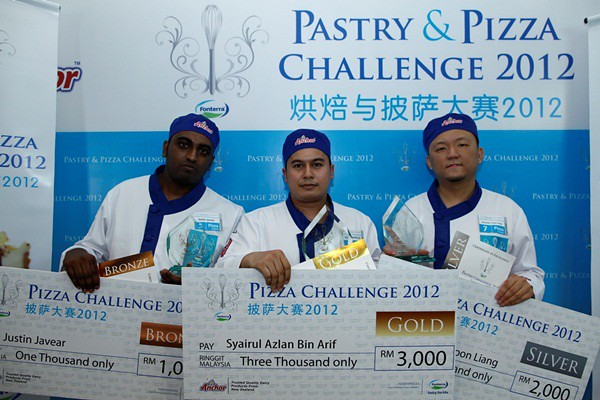 Fonterra FS Pic4 Winners for the Pizza Category of the Fonterra Foodservices Pastry and Pizza Challenge. From left, Justin Javear (Bronze), Syaiful Azlan (Gold) and Pele Kuah (Silver)