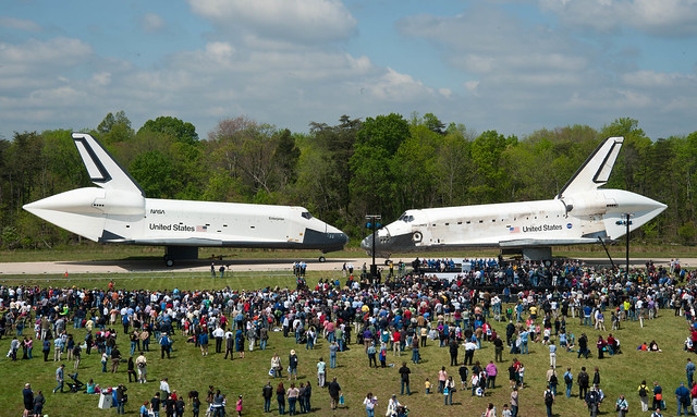 Space Shuttle Discovery Arrives at Udvar-Hazy (201204190016HQ)