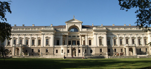rentalcars24h_5_Awesome_palaces_in_Vienna_you_cannot_miss4