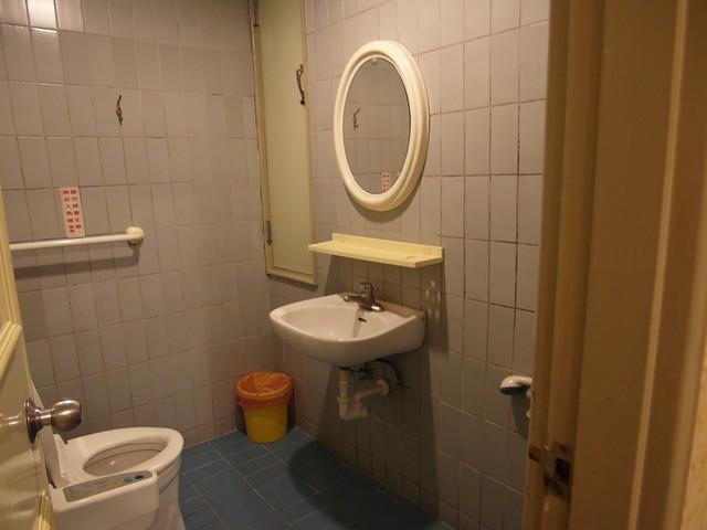 德謙醫院月子中心,$1,700 房型的衛浴