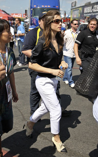 Jessica Biel White Trousers Celebrity Style Women's Fashion