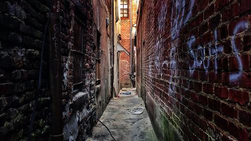 urban alley narrow rva shockoebottom uploaded:by=flickrmobile flickriosapp:filter=nofilter
