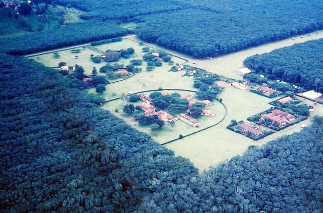 Đồn điền cao su của Pháp ở Suối Tre gần Xuân Lộc (bây giờ vẫn còn)