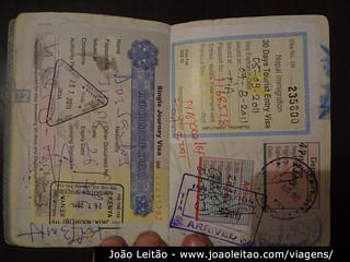 Vistos do Quénia e do Nepal em passaporte português