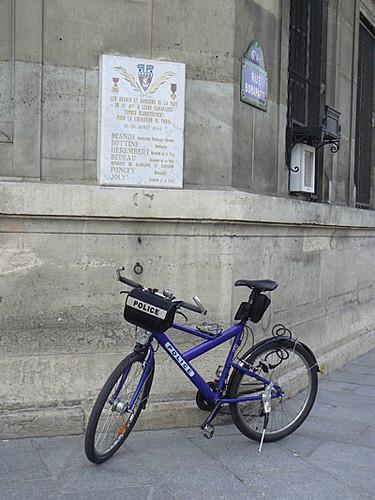 police rue Bonaparte.jpg