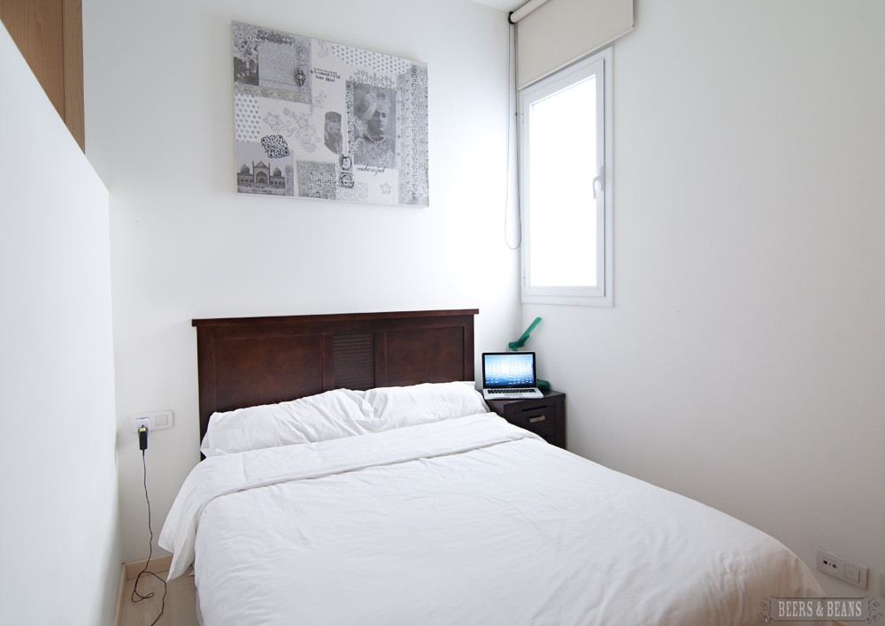 6830901082 a06573ca77 o Barcelona: Las Ramblas Apartments | Hangin With @Hostelbookers