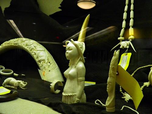 美國海關在亞特蘭大機場查扣的象牙雕刻。(來源:Rusty Clark)