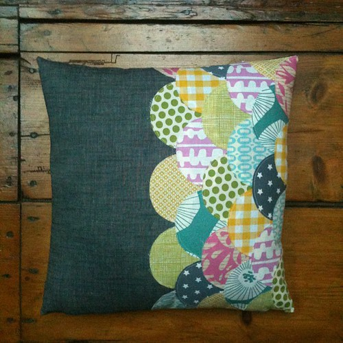 Clamshell pillow finished