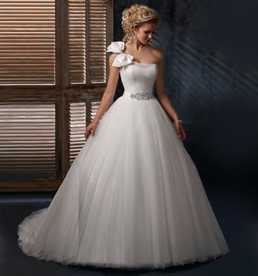 One-Shoulder Wedding Dresses