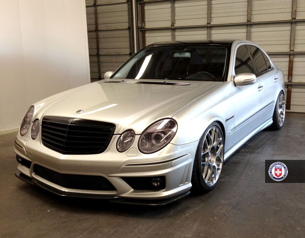 mercedes e55 on all new hre p40sc conical. Black Bedroom Furniture Sets. Home Design Ideas