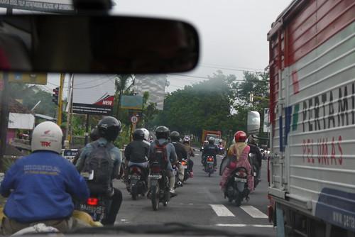 インドネシアはバイクがとっても多い