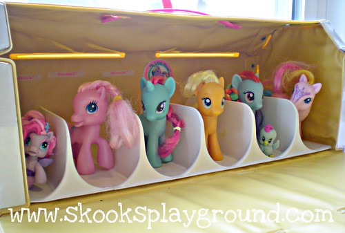 My Little Pony Carry Case - Inside