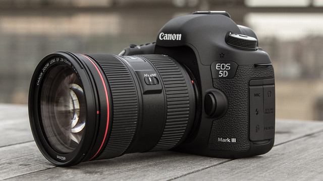 ����� ���� ����� Canon EOS 5D Mark III is Here ��� ����� ����������