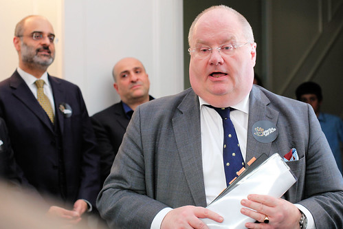 Eric Pickles speaking to volunteers