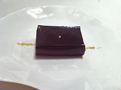 Chocolate puro, arena picante de mazapán
