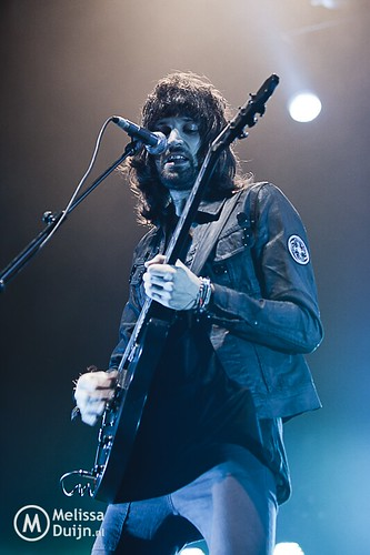 music kasabian Kasabian have released six studio albums – kasabian, empire, west ryder pauper lunatic asylum, velociraptor, 48:13, and for crying out loud the band's music has been described as a mix between the stone roses and primal scream with the swagger of oasis.