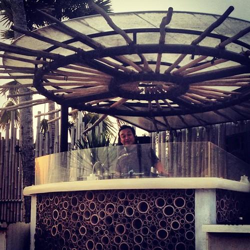 Play those tunes DJ