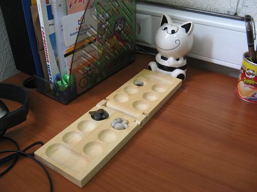 03.04.2012 12.19 Черные и белые камушки