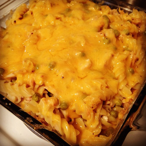 Tuna noodle cheese casserole