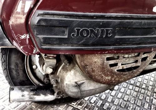 Vespa Jonie by J. Learte