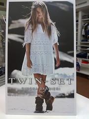 new concept 000b6 3260b Moda in pillole. La collezione Twin set girl su ChioggiaTv