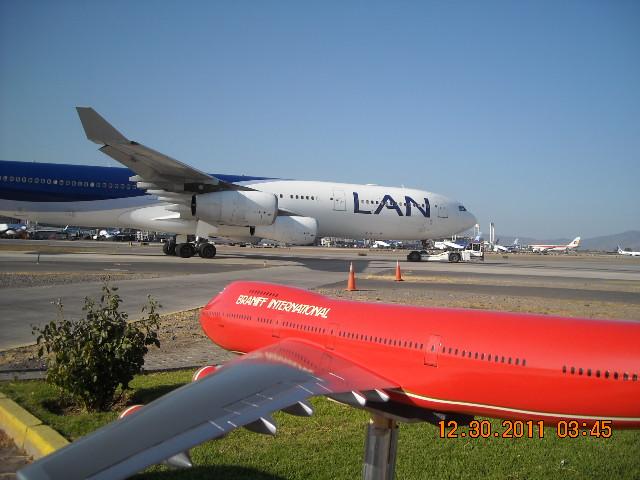 El más grande de mis aviones 6848405159_98a3ae2902_z