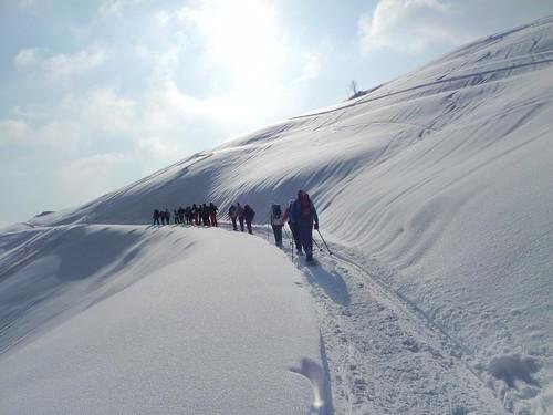 22 La neige scintille au soleil