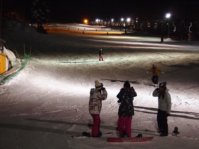 在八九號纜車旁的滑道Night Ski