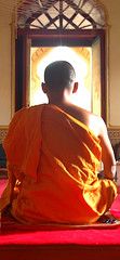 monk meditating in Wat Traimat, Bangkok by Al Varty